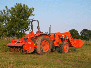 Wild-Ridge-Farm-tractor